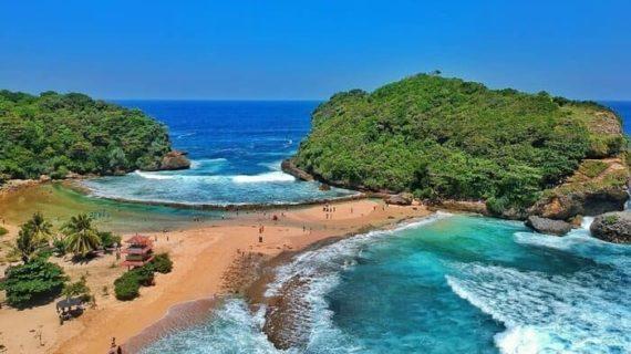 Wisata Pantai Batu Bengkung yang menakjubkan
