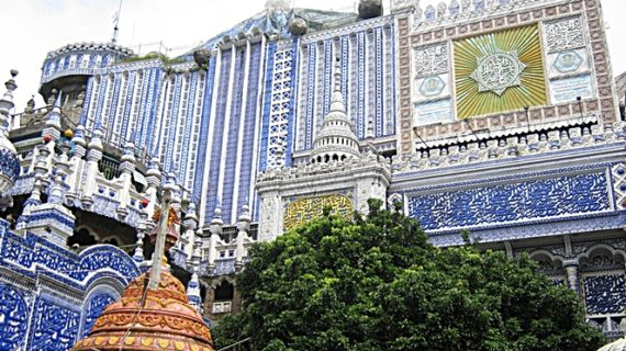 Masjid tiban turen yang menjadi destinasi wisata menarik di Malang