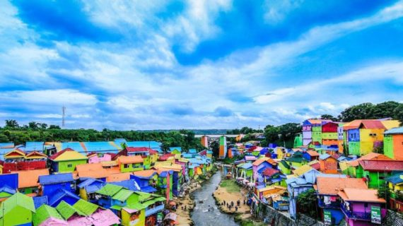 Kampung Warna Warni Jodipan Destiasi Wisata yang begitu indah