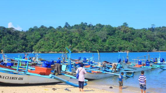 Pantai Sendang Biru Wisata alam yang menarik